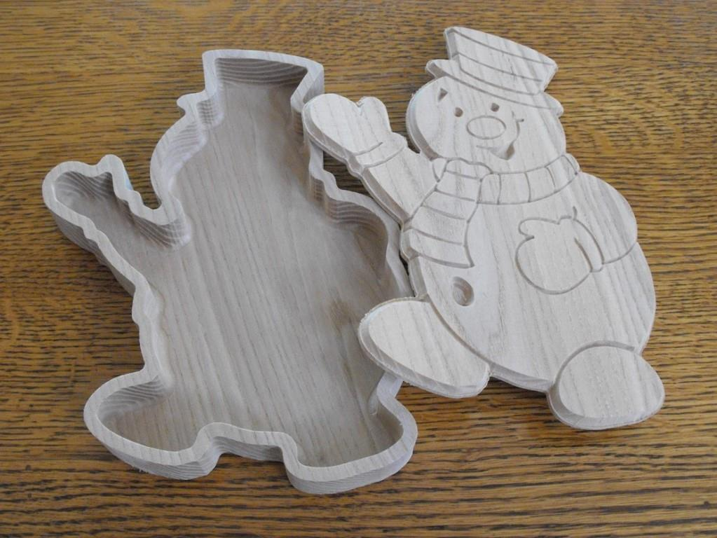 snowman dish with lid.jpeg